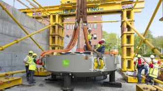 200 ton tung cyklotron på plats - Sverige ett steg närmare nytt nationellt centrum för strålbehandling