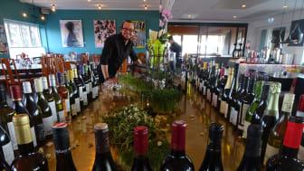 Robin Eliasson, Restaurangchef på Hotell Kristina, jobbar aktivt för en levande vinlista som är 100 % ekologisk.