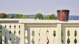 Bestå Utsikt är en helt ny färg med egenskaper som gör den till Alcros bästa fönster- och snickerifärg.