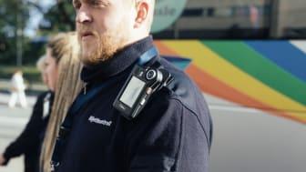 Kontrollanter i Stockholms lokaltrafik testar Optidevs kroppskameror