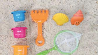 leksaker till strandpoolen-smartasaker.jpg