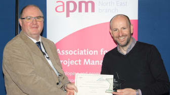 Dr Allan Osborne, Principal Lecturer in Project Management at Northumbria presents Mark Elliott with the Association for Project Management North East Dissertation Prize.