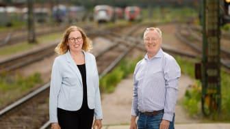 Veronica Lindgren, gruppledare och Tony Strandberg, teamchef Spår- och järnvägsteknik ser fram emot att välkomna nya kollegor till teamet. Foto: Sten Jansin