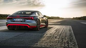 Den viste model er en Audi RS e-tron GT prototype, og altså ikke den model, det er muligt at pre-booke.
