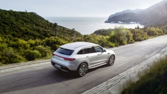 Mercedes-Benz_EQC_400_salesrelease00008