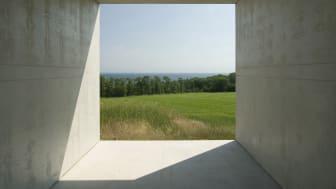 Viewfinder av Snøhetta var en av de tidiga verken som uppfördes på Kivik Art Centre 2007.  Genom ett pilotprojekt stärker Region Skåne barn och unga på Kivik Art Centre. Foto: Kivik Art Centre