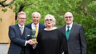 Årets Jussi Björling-stipendiat Iréne Theorin tillsammans med Karl-Magnus Fredriksson, Anders Wall och Gunnar Lundberg. (Foto: Karin Röse)