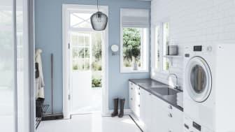 Visste du at det er vanlig å finne vann i en splitter ny vaskemaskin? Foto: Elkjøp Norge