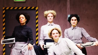 Anna Sise, Marika Holmström, Maryam Nikandish och längst fram Henrietta Wallberg