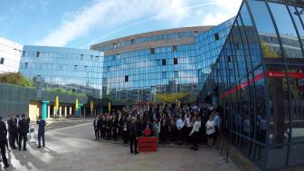 Making-off zum Bild der neuen 90 neuen Azubis der Stadtsparkasse München.