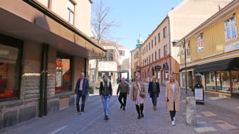 Från vänster: Håkan Persson MEGA+, Alma Ohlin Fastighetsägarna, Fredrik Nordström (S) oppositionsråd, Ylva Pettersson (M) kommunalråd, Helena Nyman Friberg näringslivsstrateg, Carolina Esping tf. kommundirektör.