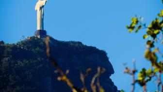 Cristo Redentor, kristusstatyn i Rio de Janeiro vakar över den kristna mosaik som präglar Brasilien.