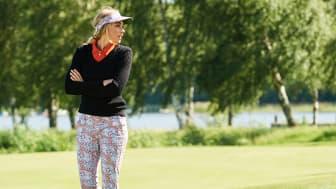 Daily Sports klassiska stickade tröja Madelene, matchad med säsongens färger och mönster.
