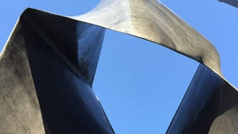 Thomas Concrete Group delivered_Monolithic Sculpture in Concrete  Looks like Steel