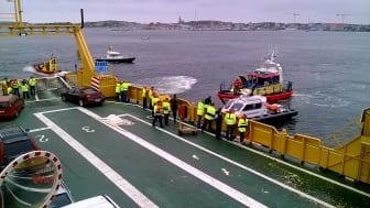 På torsdag den 5 oktober övar ett stort antal aktörer sjöräddning i området Arholma - Kapellskär - Rödlöga - Söderarm. Bilden är från en tidigare sjöräddningsövning i Göteborg.