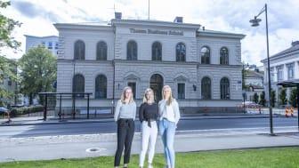 Första årskullen affärselever flyttade i höstas in i Riksbankens gamla lokaler vid Rådhusparken i Jönköping
