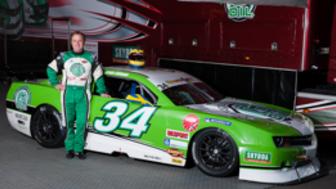 Jens Edman kör för guld i V8 Thunder Cars 2013