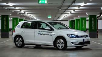 Europcar stöttar vårdpersonal med elbilar
