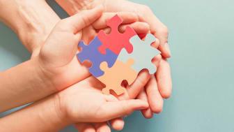 Nya kliniska riktlinjer för utredning av och insatser vid autism