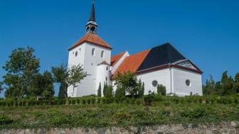 Kirken med det tofarvede tag