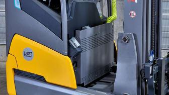 Inbyggd laddare för skjutstativtrucken ETV 216i