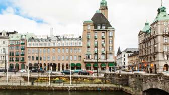 Elite-Hotel-Savoy-day.jpg