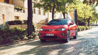 GTX-versionen erbjuder fyrhjulsdrift, högre motoreffekt, snabbare acceleration, högre topphastighet och 200 kg mer i dragvikt.