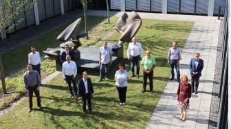 Gemeindevertreter, Bayernwerk-Mitarbeiter und Wissenschaftler vom IfE beim Abschlusstreffen des Energieeffizienznetzwerks Ostbayern.