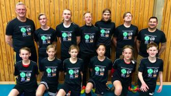Spelare och ledare från Hoby GIF är redo för fotbollsmatchen i Tyskland