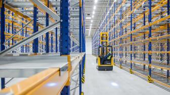 Jungheinrich levererar över 19 km pallställ till Opels nya europeiska reservdelslager.