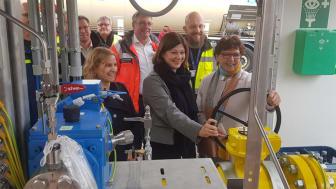 Staatssekretärin Steingaß bei der Inbetriebnahme der Gasversorgungsanlage / © ea / Zeimentz