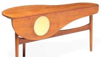Et helt særligt sofabord af Finn Juhl var under hammeren på auktionen.