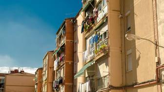 Spanien har en åldrande befolkning och ett stort behov av billig arbetskraft som utför omsorgsarbetet.