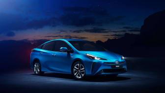 Nye Toyota Prius blir billigst med firehjulstrekk i sitt segment. Foto: Toyota