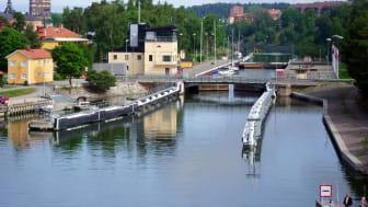 Södertälje kanal samt Mälarbron i Södertälje kommer att vara stängd för bil- och busstrafik lördag 23 mars 07-19 och söndag 24 mars 07-19. Foto: Nicklas Liljegren
