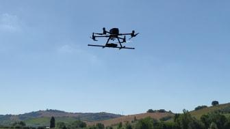 Drohne des Unternehmens SENSYS GmbH im Einsatz - nur ein Unternehmen der Region mit vielen Möglichkeiten für Alumni. (Copyright: SENSYS GmbH)