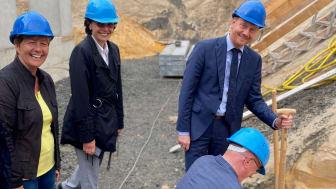 Start für das neue Wasserwerk Boxberg/O.L.: Petra Brünner, Katrin Bartsch, Ministerpräsident Michael Kretschmer und Achim Junker