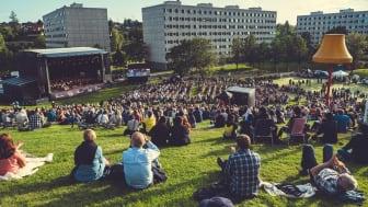Fra utendørskonserten til Oslo-Filharmonien nå i august, Haugenstua - Groruddalen.  Foto: Bård Gundersen