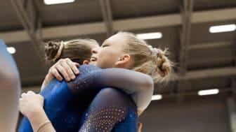 Seniordebutanten Jessica Castles vinner NM i kvinnlig artistisk gymnastik