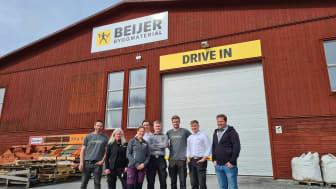 Team Enköping från vänster: Joakim, Suzzie, Erica, Daniel, Leon, Frank, Orion och Caesar