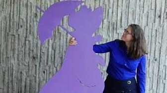 """Färgen """"gredelin"""" har dött ut i det svenska språket utom i böckerna om Tant Brun, Tant Grön och Tant Gredelin. Susanne Vejdemo har undersökt hur och varför bland annat färgord förändrats i svenskan. Foto: Mikael Vejdemo Johansson."""