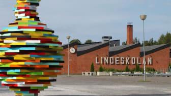 Lindeskolan är gymnasieskolan i Lindesberg.