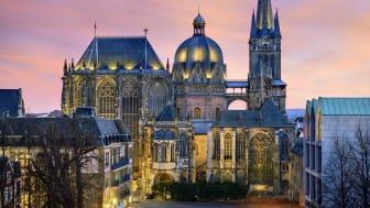 Aachen: Cathedral in the evening © DZT  e.V.  F: Travel Collection - Travel Collection/Lookphotos OBS: Videre bruk av dette bildet er ikke tillat. Finn andre flotte bilder i billedbanken vår!