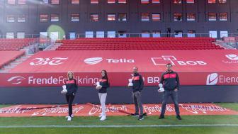 Telia er Branns digitale hovedpartner, og gjør det mulig å utnytte de digitale mulighetene. Fra venstre: Therese Andvik Rygg, Janne Håland, Lars Petter Mongstad og Mats Thorbjørnsen i Brann.