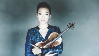 Virtuos violinkonsert på repertoaren när Clara-Jumi Kang spelar med Gävle Symfoniorkester