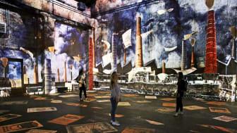 """Kunstkraftwerk Leipzig - Blick in die Ausstellung """"Boomtown"""" - Foto: Andreas Schmidt"""