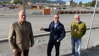 Torstein Arisholm (fra venstre), Jon Chr. Simenstad og Tore Bryhni har sikret industrihistorien på Brakerøya.