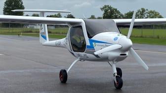 Rickard Carlsson från Aeroklubben i Göteborg landar första elflygplanet på Ängelholm Helsingborg Airport