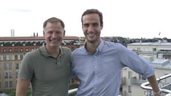 Mattias Malmström, VD på Mynewsdesk (vänster) och Matthieu Vaxelaire, nuvarande vd och medgrundare på Mention (höger).