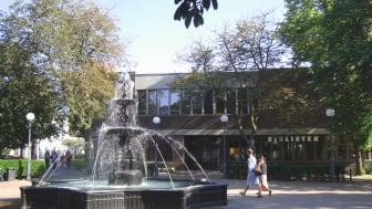 Helsingborgs stadsbibliotek i Stadsparken. Foto Jsdo1980, CC BY-SA 3.0